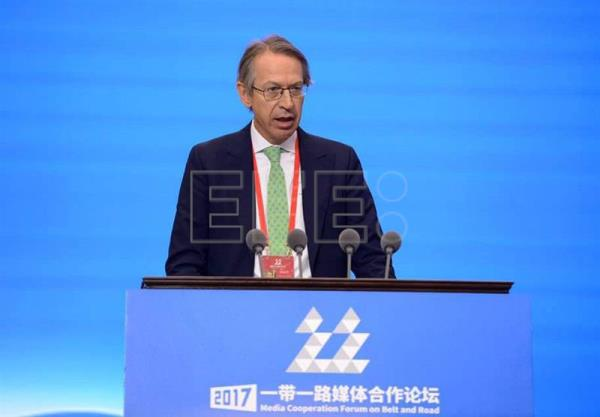 "The president of Spain's international news agency, EFE - Jose Antonio Vera - addresses the 3rd Media Cooperation Forum on Belt and Road, where he said before some 300 international press executives and journalists that  ""'fake news' atrophies our minds,"" making us ""intolerant and sectarian,"" and comparing its effect to that of ""fast food"" on the body. EFE/Str"