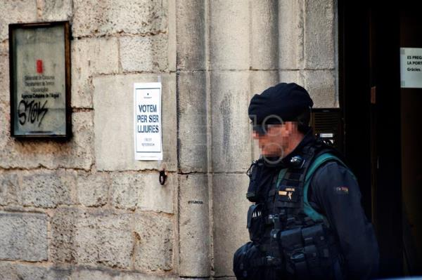 Spanish police raid Catalonian water company suspected of