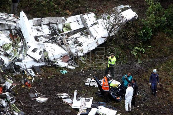 Doomed Lamia airlines plane was low on fuel, overloaded, Colombia says
