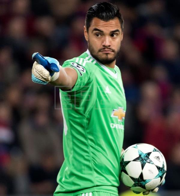 2b07a457b3 Argentina's Sergio Romero suffers knee injury, misses World Cup in Russia