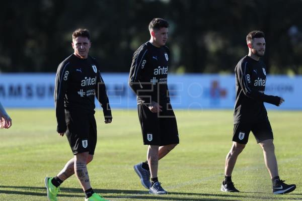 Uruguay's soccer team assembles for World Cup training