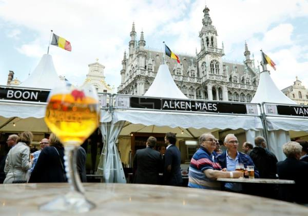 Belgian brewers fill Brussels square to showcase over 400 kinds of ale