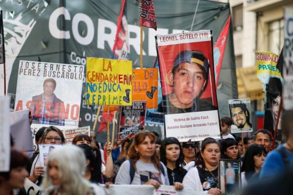 Argentinians protest against trigger-happy security forces