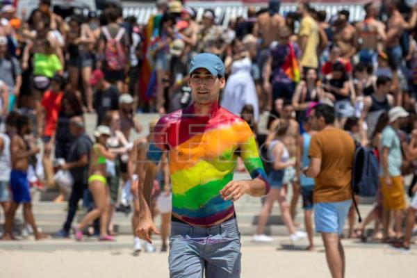Thousands flock to Tel Aviv for massive LGBT Pride march