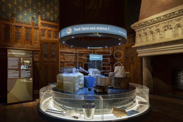 New economics museum in Paris treats viewers to interactive, sensory show