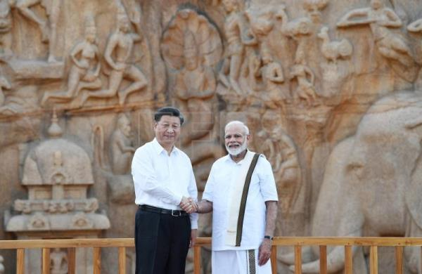 Modi and Xi meet in South India on first day of informal summit