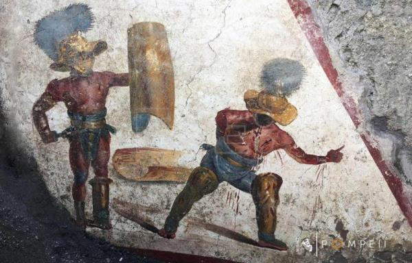 Unearthed Pompeii fresco shows bloody gladiator fight