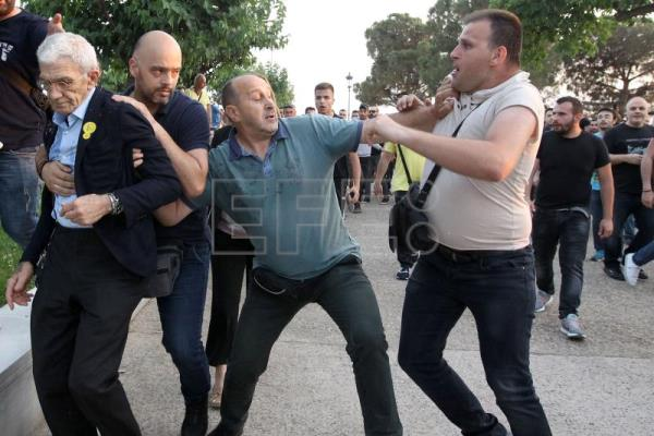 Mayor of northern Greek city sent to hospital by violent street attack