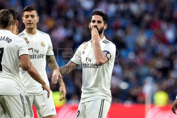 Real Madrid's midfielder Isco celebrates after scoring the 4-0 goal during a Spanish King's Cup round of 32 second leg match between Real Madrid and Melilla at the Santiago Bernabeu stadium, in Madrid, Spain, Dec. 06, 2018. EFE-EPA/RODRIGO JIMENEZ