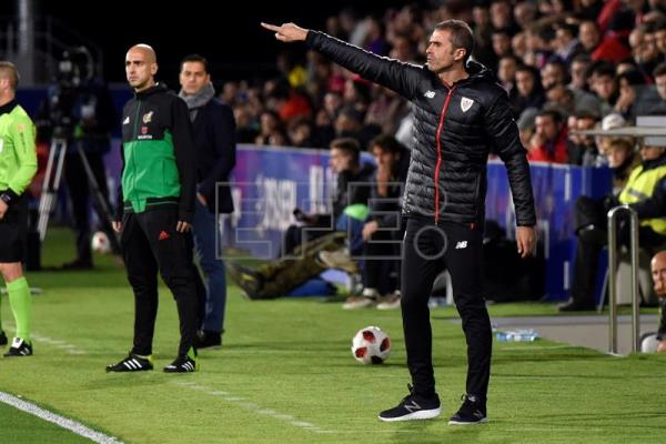 New Athletic Bilbao head coach Gaizka Garitano gives instructions to his players during a Copa del Rey round of 32 second-leg match against Huesca at El Alcoraz Stadium in Huesca, Spain, on Dec. 6, 2018. EPA-EFE/Javier Blasco