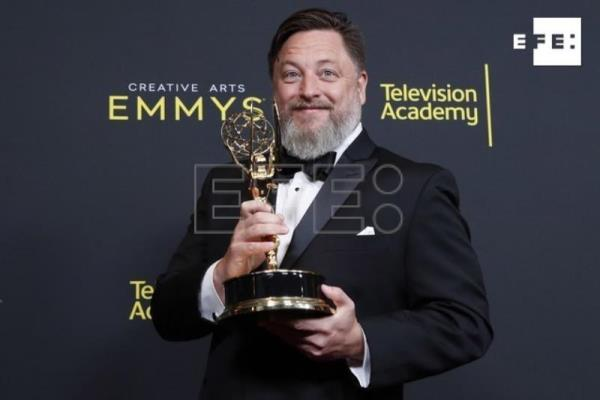 Game of Thrones sweeps Creative Arts Emmys with 10 awards