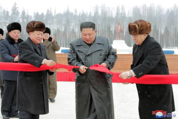 North Korea says up to US to chose what 'Christmas gift' it wants