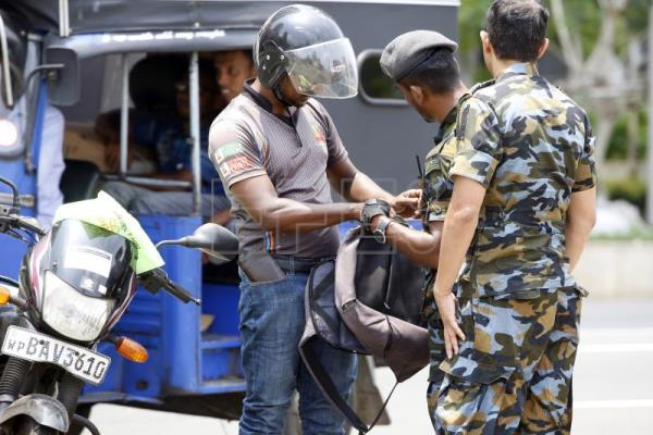 Sri Lankan Secretary of Defense resigns over security failings in attacks