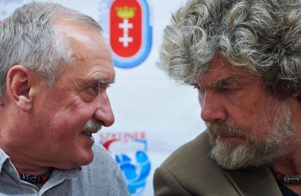 Polish mountaineer Krzysztof Wielicki (L) and Italian mountaineer Reinhold Messner (R) in Wladyslawowo, Poland, June 28, 2014 (Reissued May 16, 2018). EPA/FILE/ADAM WARZAWA POLAND OUT