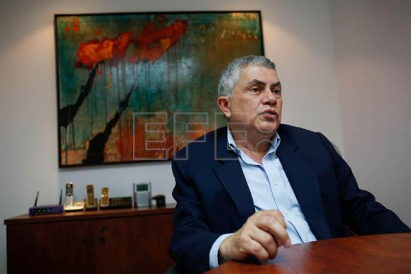 Photo provided on May 16, 2018 shows Reinaldo Quijada, presidential candidate in Venezuela, speaking during an interview with EFE in Caracas, Venezuela, May 15, 2018. EPA-EFE/Cristian Hernandez