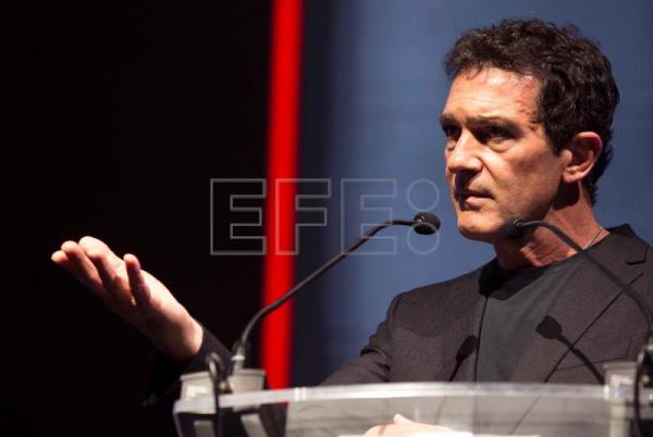 "Banderas, premio al mejor actor europeo por su papel en ""Dolor y gloria"""