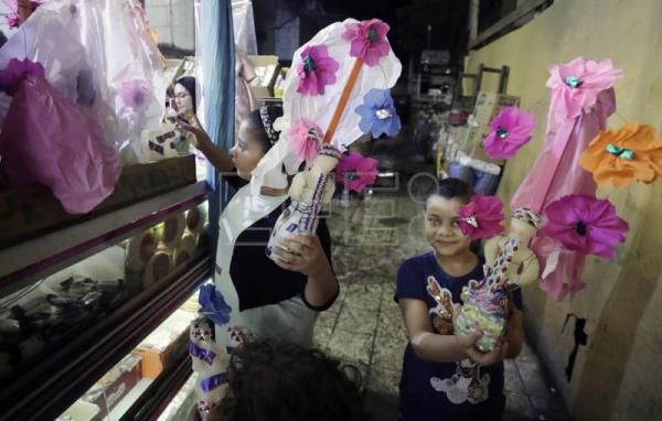 Egyptians mark Muslim prophet's birthday