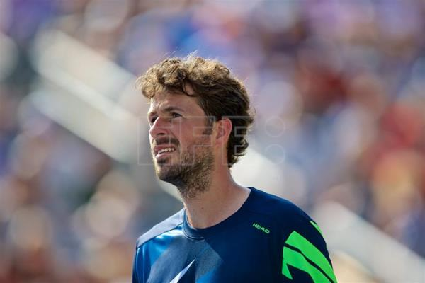 Robin Haase of the Netherlands watches a replay during his match against Roger Federer of Switzerland during the ATP Rogers cup men's semi final in Montreal, Canada, 12 August 2017. EFE