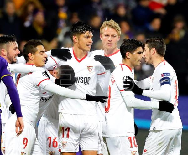 Sevilla players celebrate their 1-1 equalizer during the UEFA Champions League group E soccer match between NK Maribor and FC Sevilla in Maribor, Slovenia, Dec. 6, 2017. EPA-EFE/ANTONIO BAT